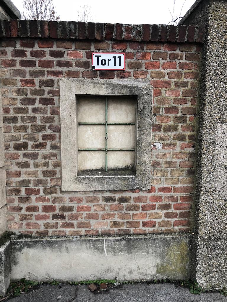 Zentralfriedhof Tor 11