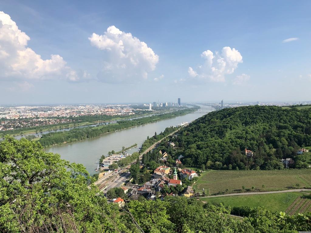 Nasenweg - Blick auf die Donau