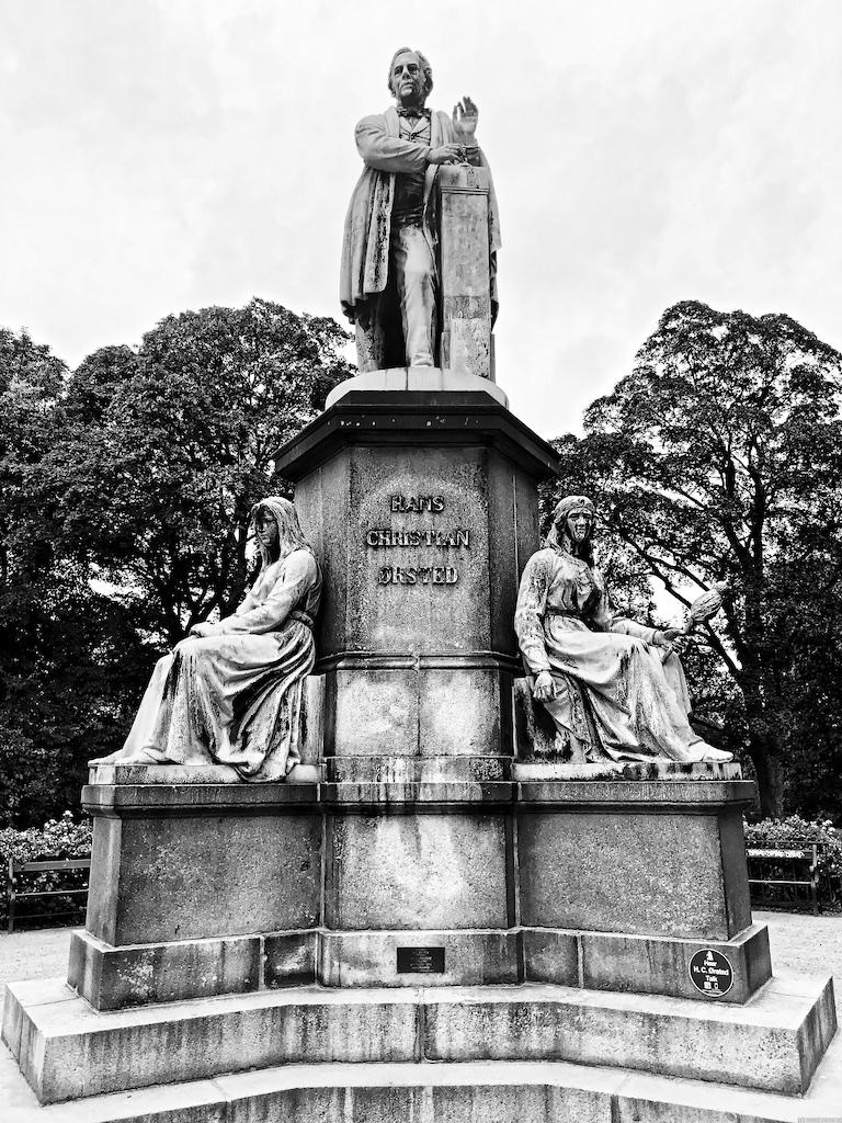 Statue des Hans Christian Ørsted