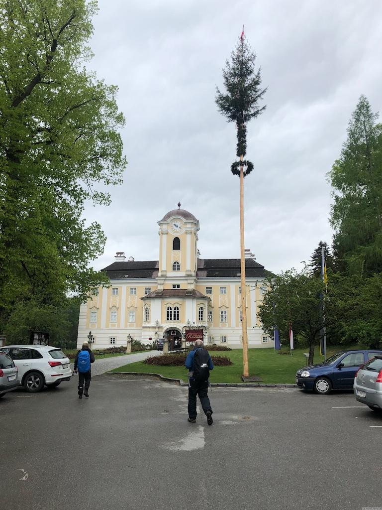 Maibaum Schloss Rosenau