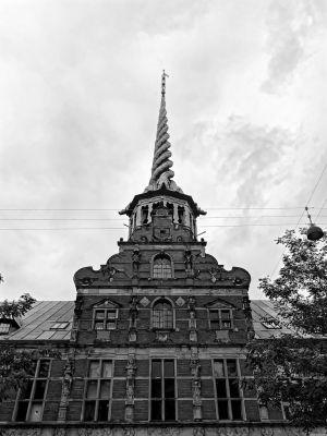Der Zwiebelturm der Alten Börse in Kopenhagen