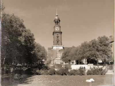 Blick auf die St. Michaelis Kirche (Michel)