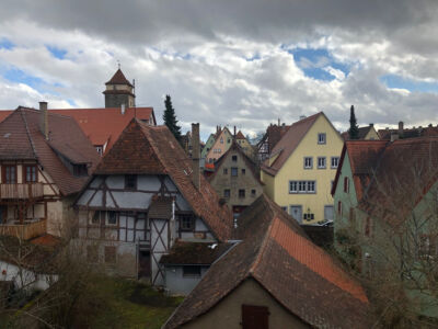 Blick von der Stadtmauer auf die Häuser von der Altstadt Rothenburg